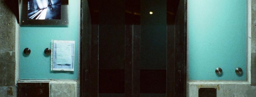 atrapado en el ascensor