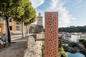 Ascensor urbano en Gironella (Barcelona)